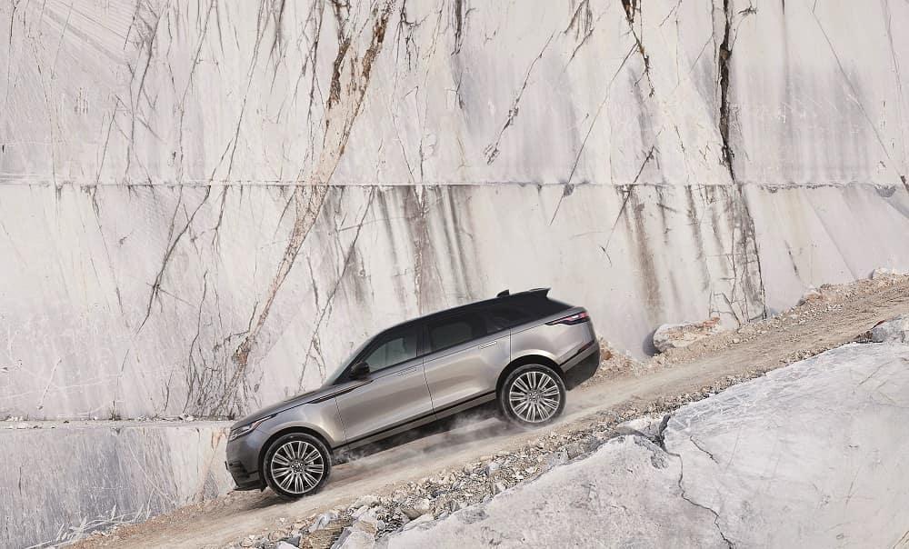 LOANER LEASE SPECIAL 2019 Range Rover Velar P250 R-Dynamic SE – 2 Available!