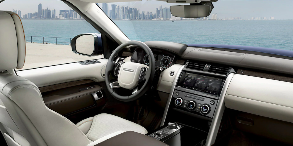 2019 land rover discovery interior