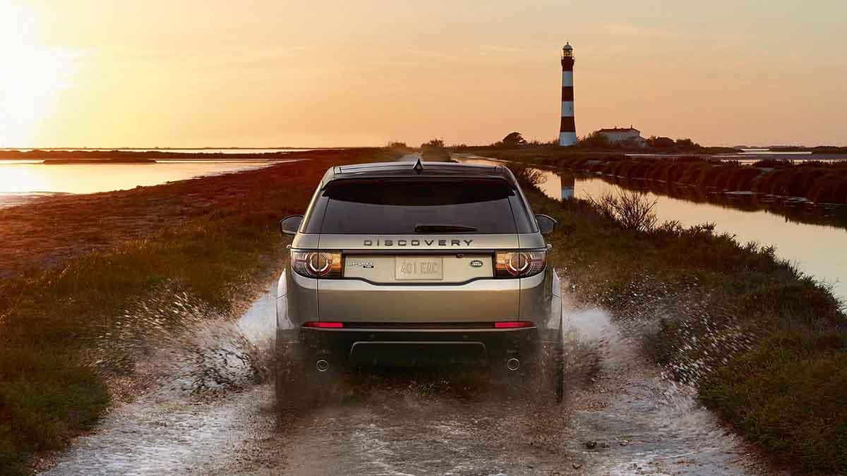 2018 Land Rover Discovery Sport rear view