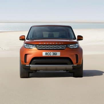 2018 Land Rover Discovery front exterior