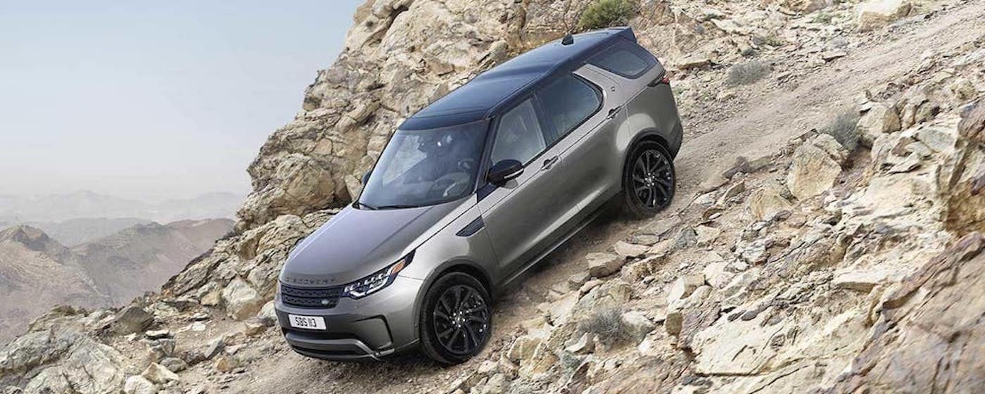 2019 land rover discovery off roading