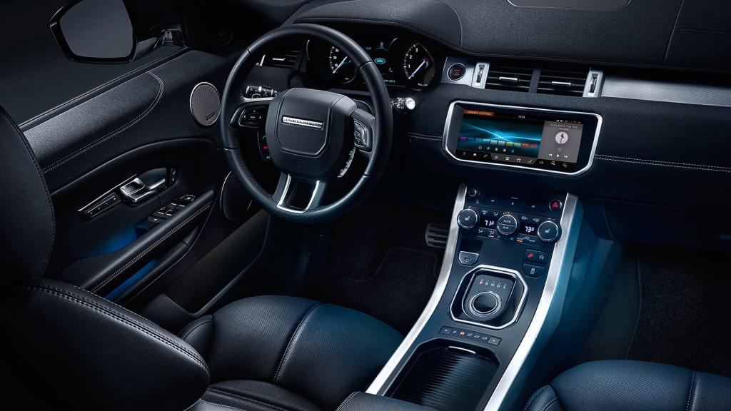 2017 Range Rover Evoque dash