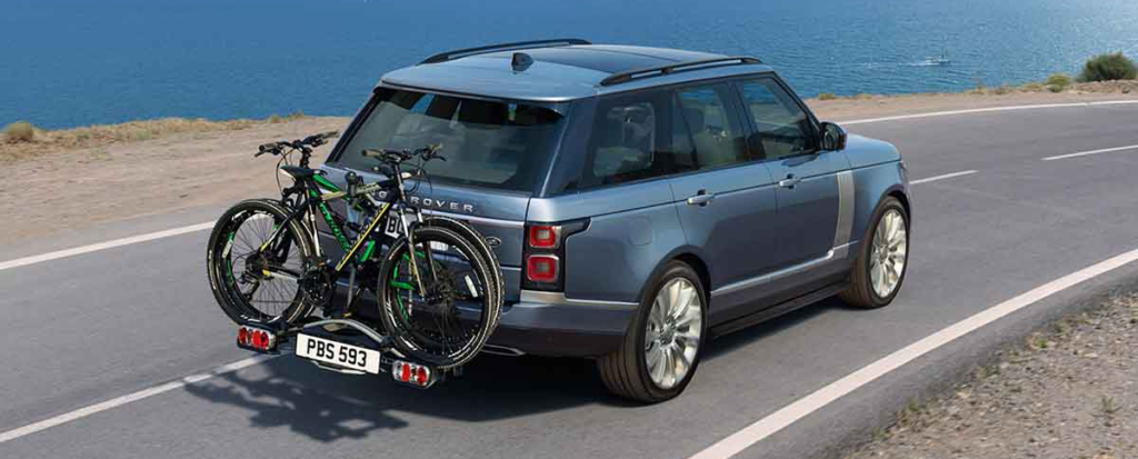 2018 Land Rover Range Rover with bike on back