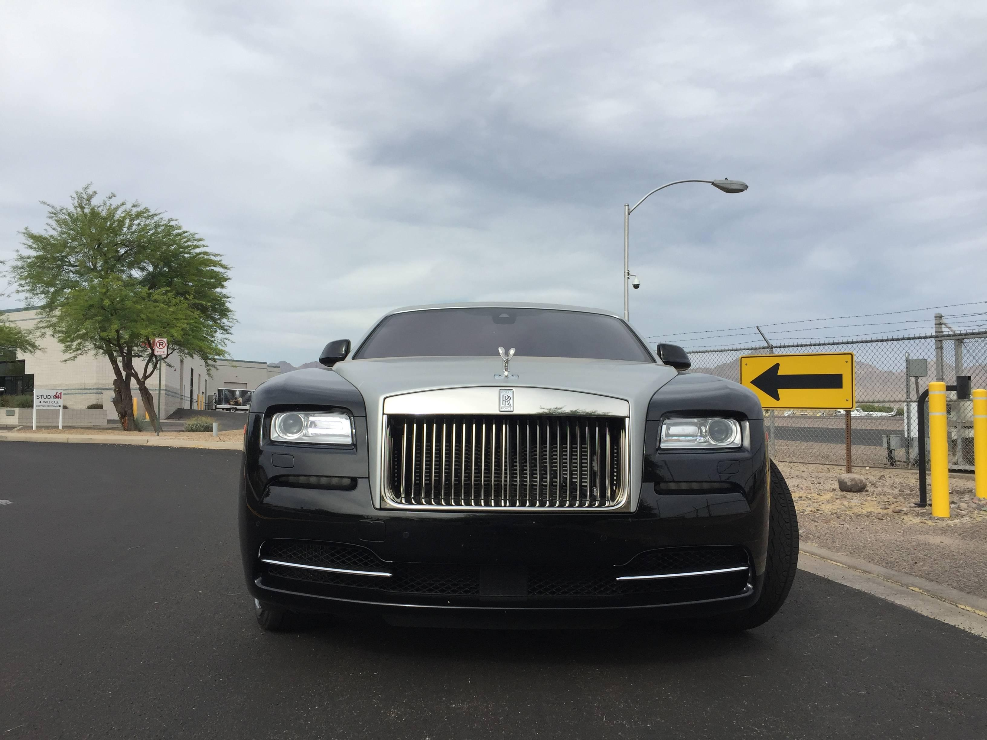 is the rolls royce wraith really worth all the hype luxury auto collection. Black Bedroom Furniture Sets. Home Design Ideas