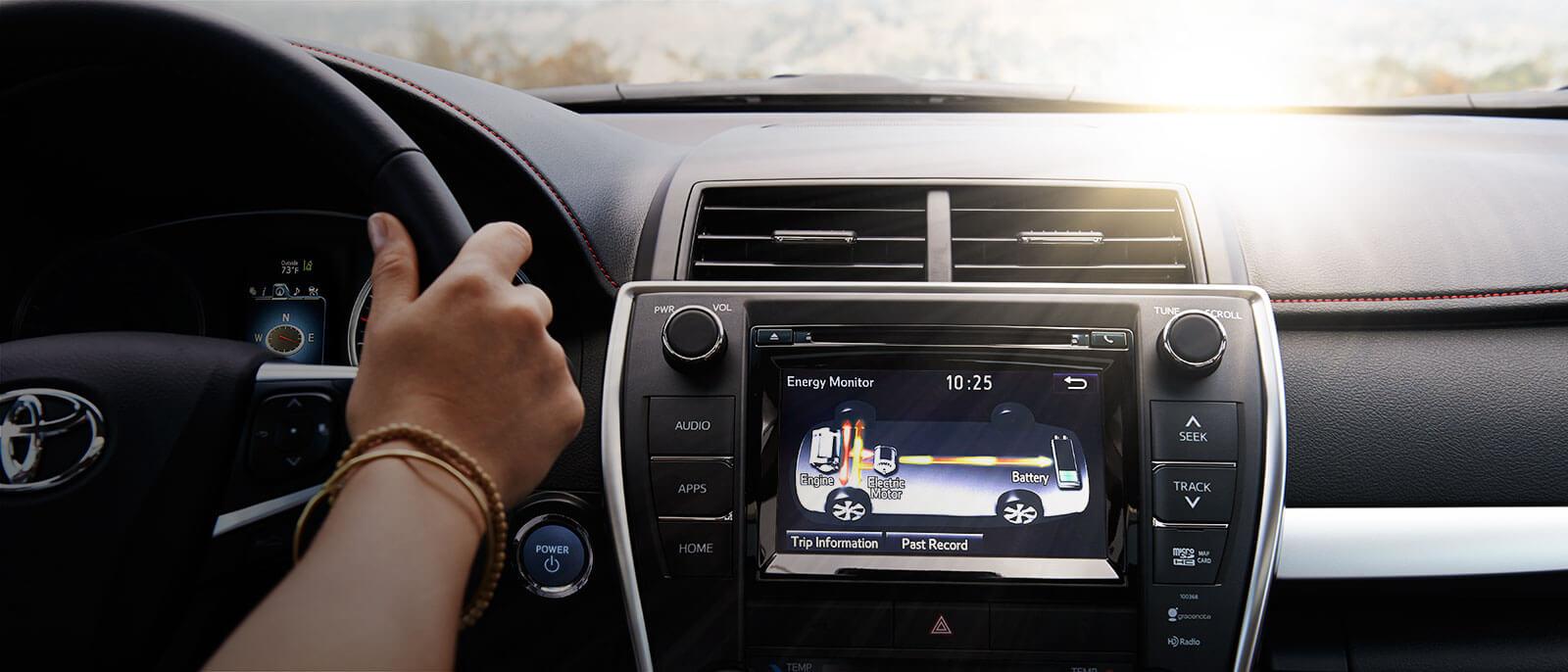 2016 Toyota Camry Hybrid interior