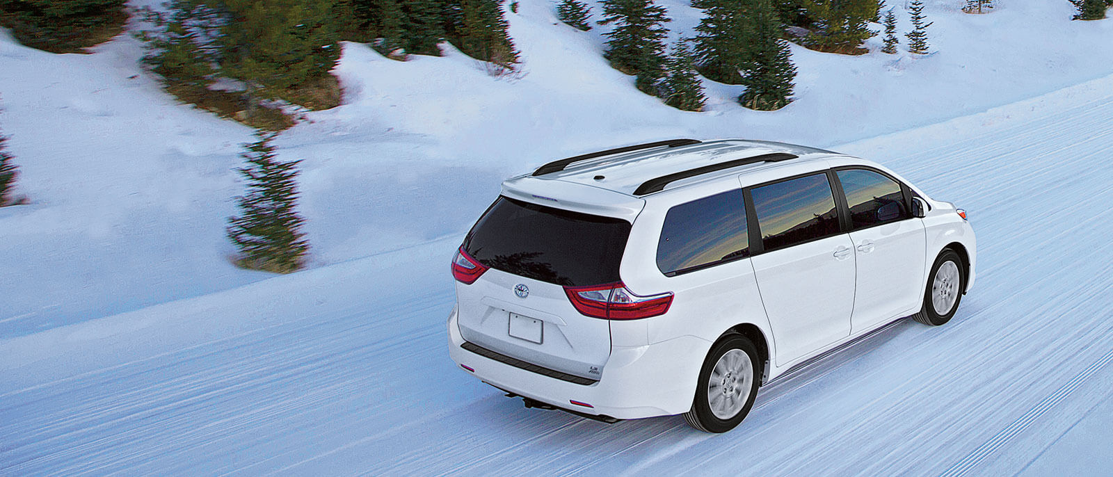 2016 Toyota Sienna in the snow