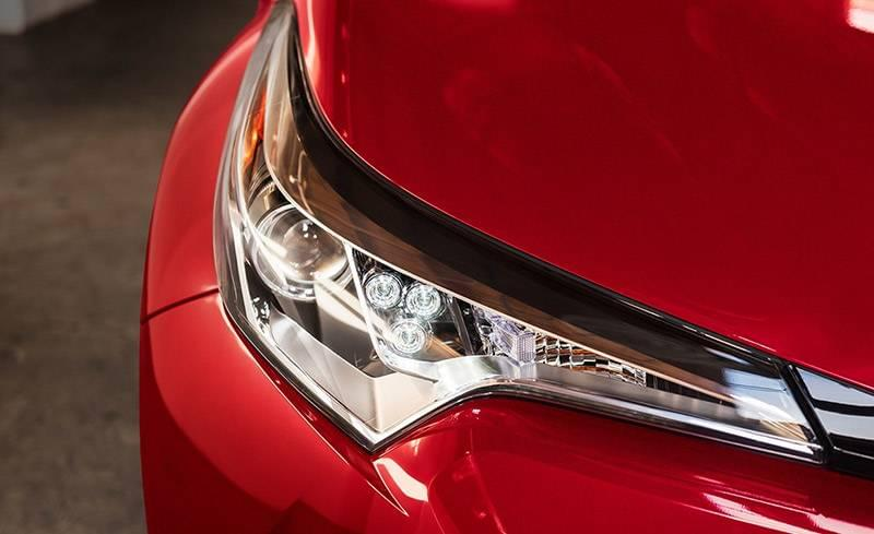 LED Headlights on 2018 Toyota C-HR