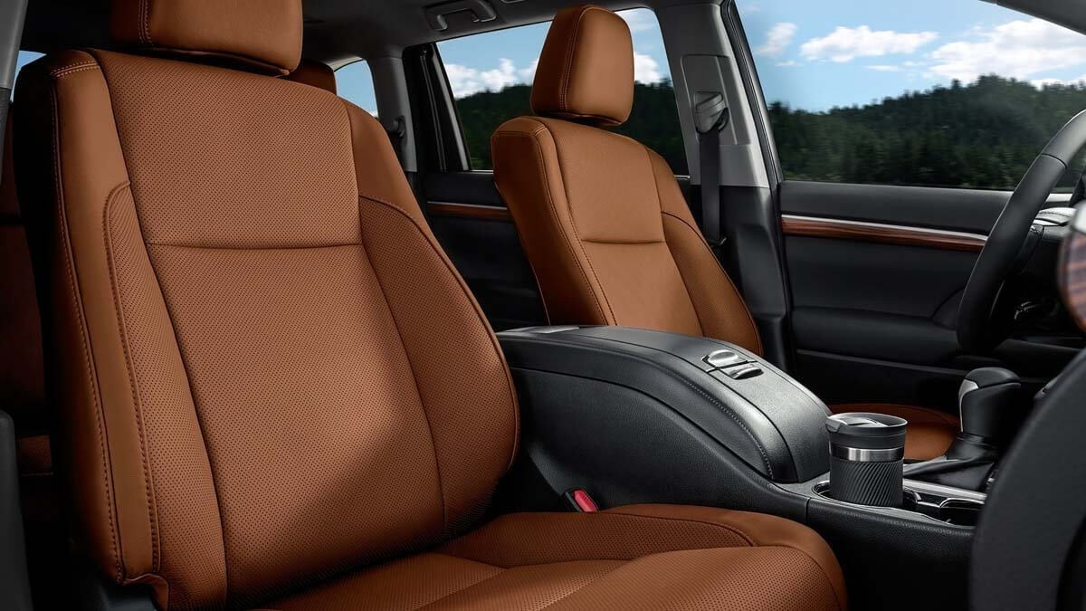 2017 Toyota Highlander front interior seating