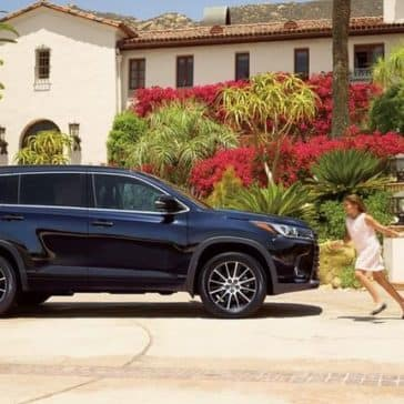 2018 Toyota Highlander side view