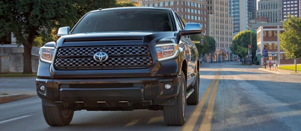 what features come standard on the toyota tundra platinum