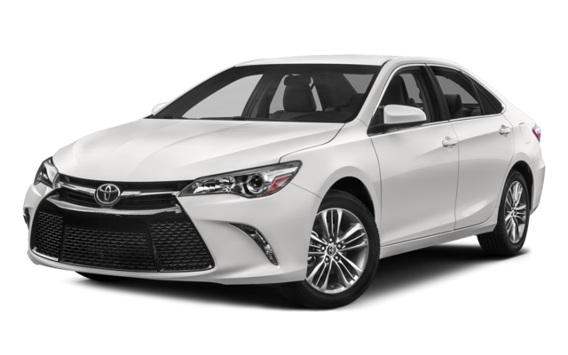2019 Toyota Camry SE in white