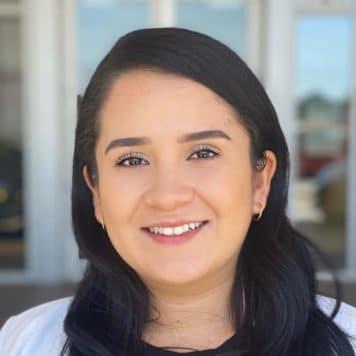 Katia Gonzalez  (Hablo Español)