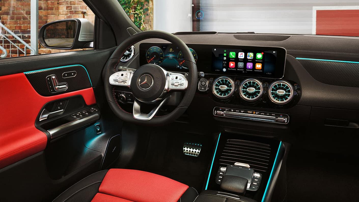 2021-GLA-SUV dashboard