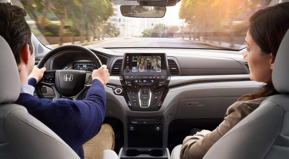 2018 Honda Odyssey front