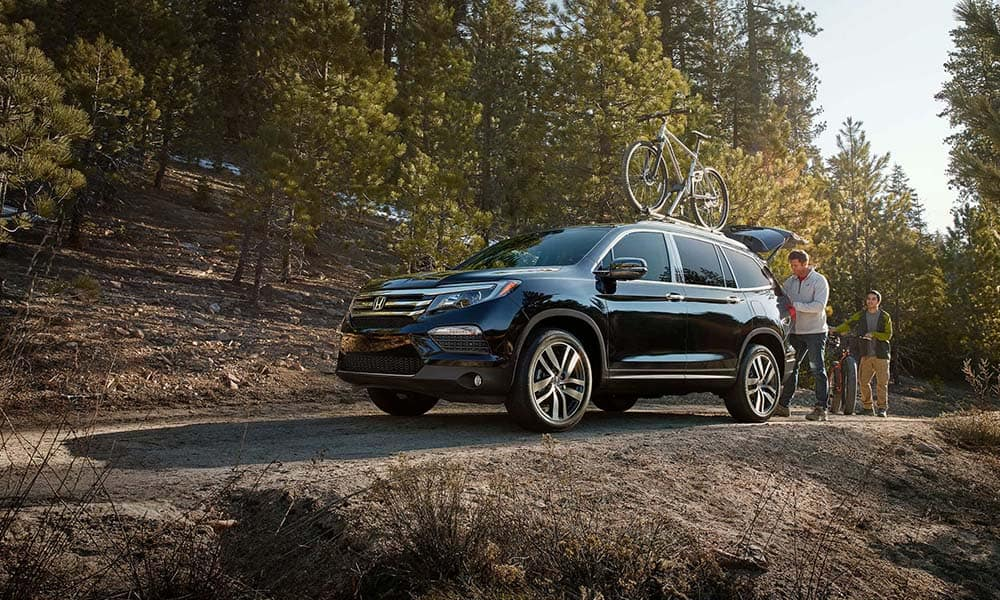 2018 Honda Pilot Gallery on forest road