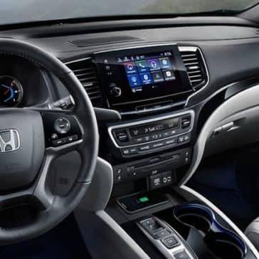 2020-Honda-Pilot-Dash