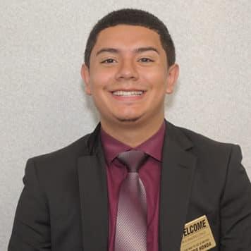 Alejandro  Cruz Jr.