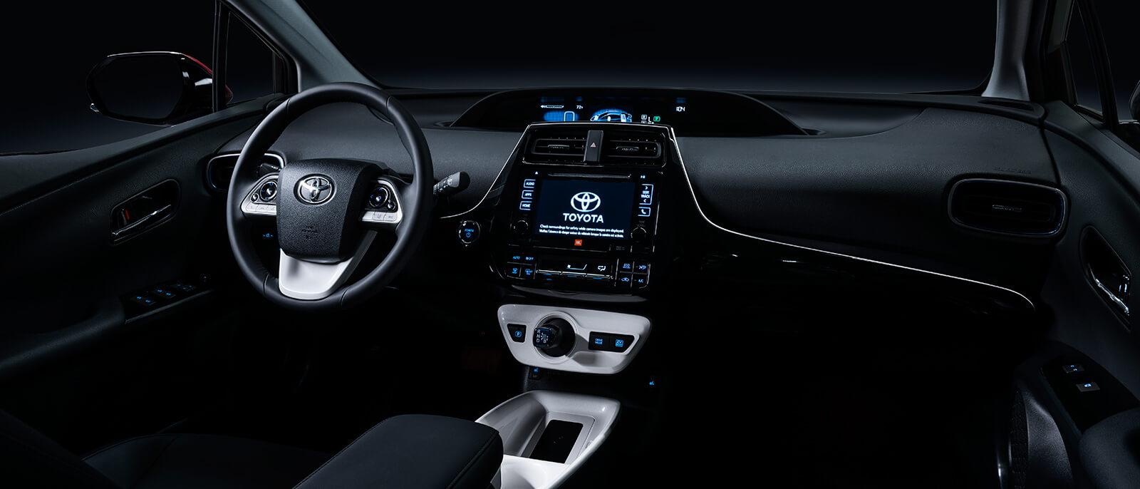 2016-Toyota-Prius-03