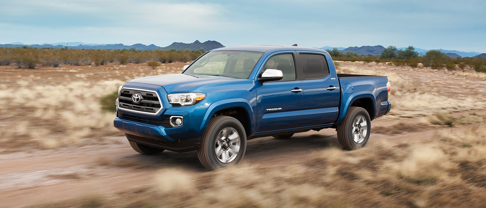 2016-Toyota-Tacoma-Side