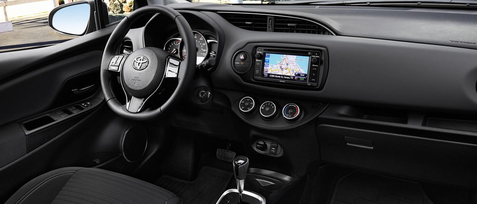 2016-Toyota-Yaris-Front-Interior