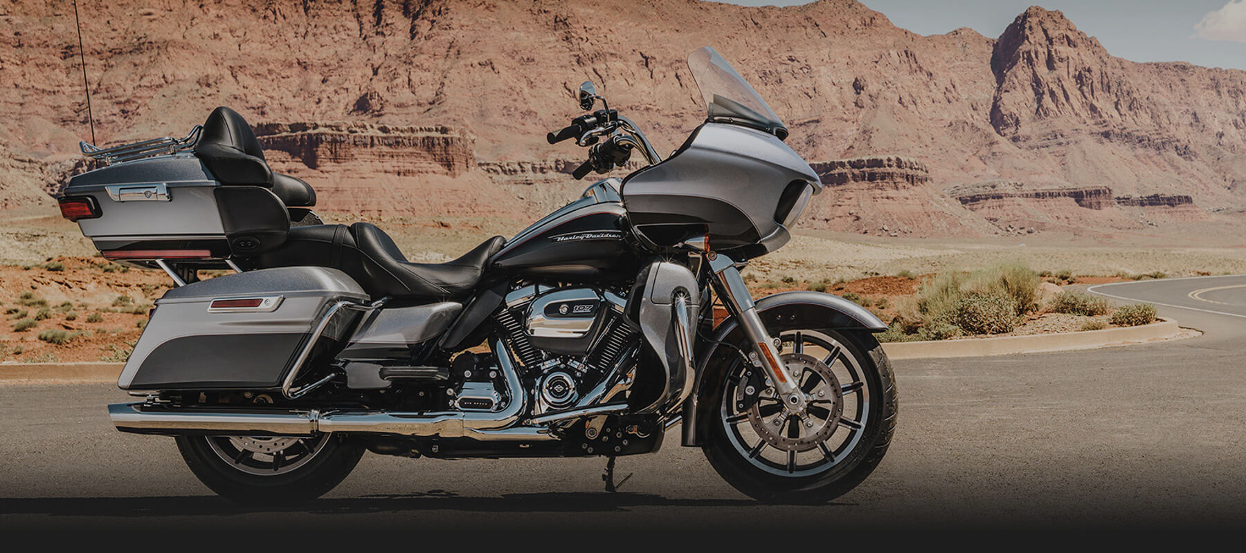 Road Glide Ultra background
