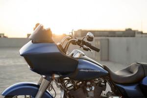 2017 Harley-Davidson® Road Glide® Special handle bars