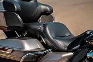 Road Glide® Ultra seats