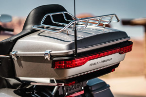Road Glide® Ultra storage