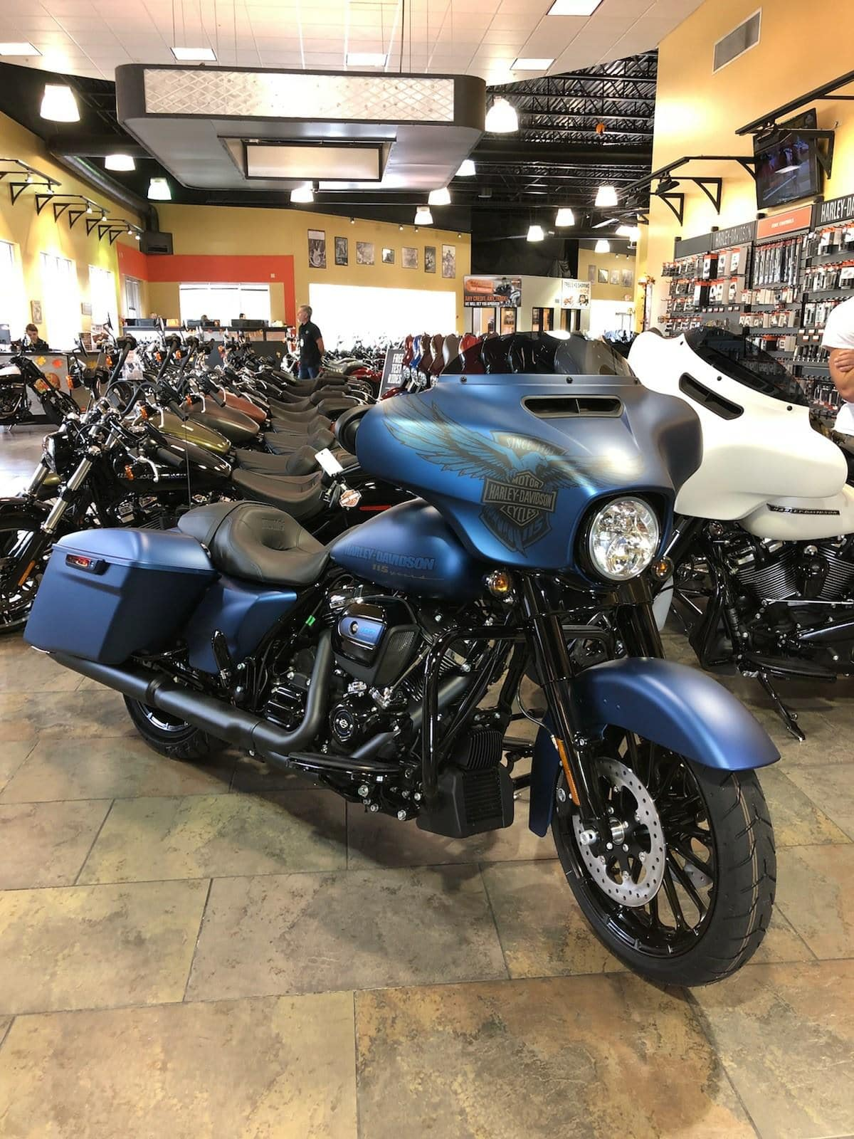 Harley-Davidson 115th Anniversary Street Glide Special in