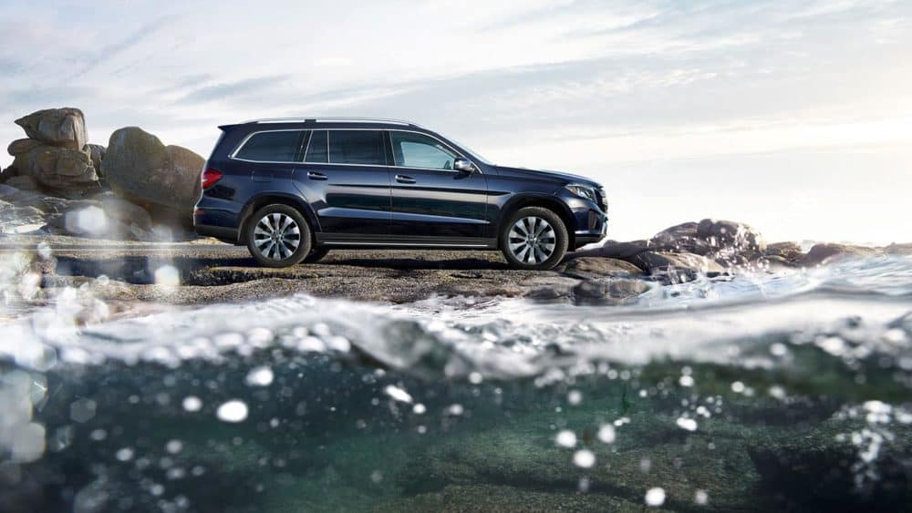 2019 Mercedes-Benz GLS rocky coast