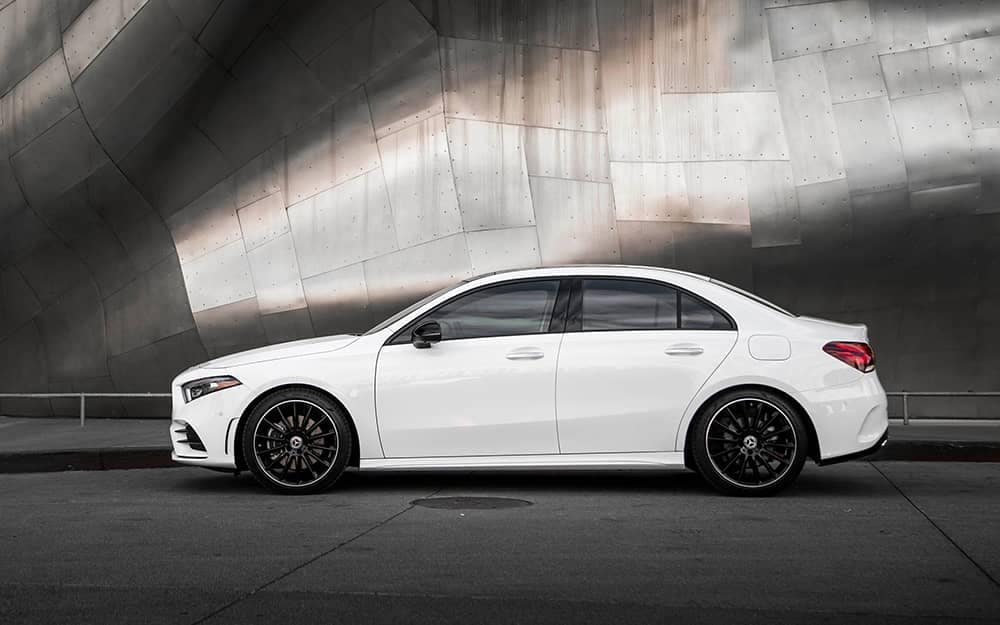 2019 MB A-Class Side