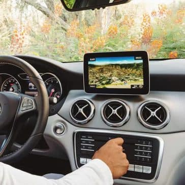 2019-Mercedes-Benz-GLA-driver-dashboard