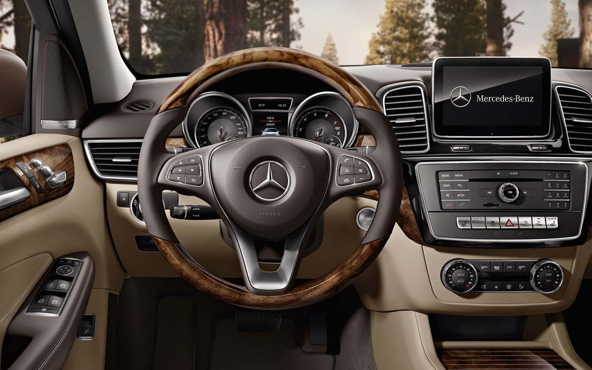 Mercedes-Benz GLE Dashboard