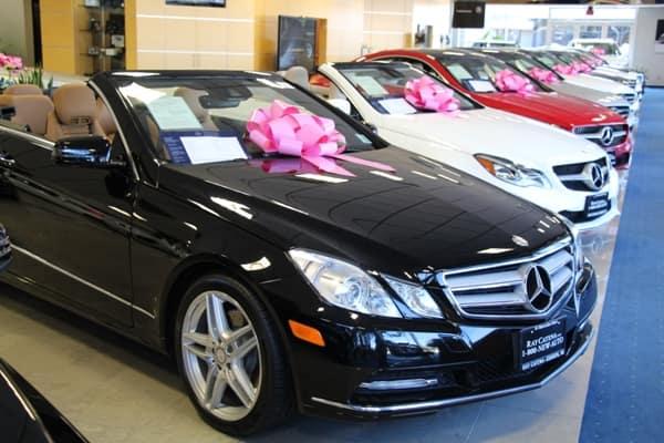 Think pink ray catena motor car corp for Ray catena motor car corp mercedes benz dealership edison nj