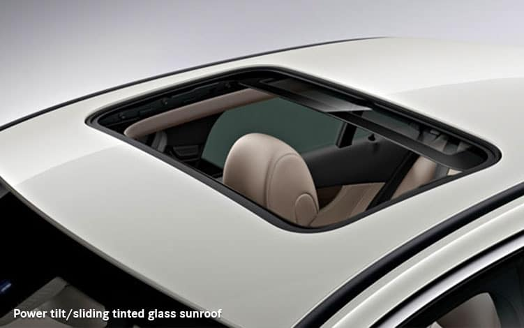 mercedes-benz-2018-c300-glass-sunroof