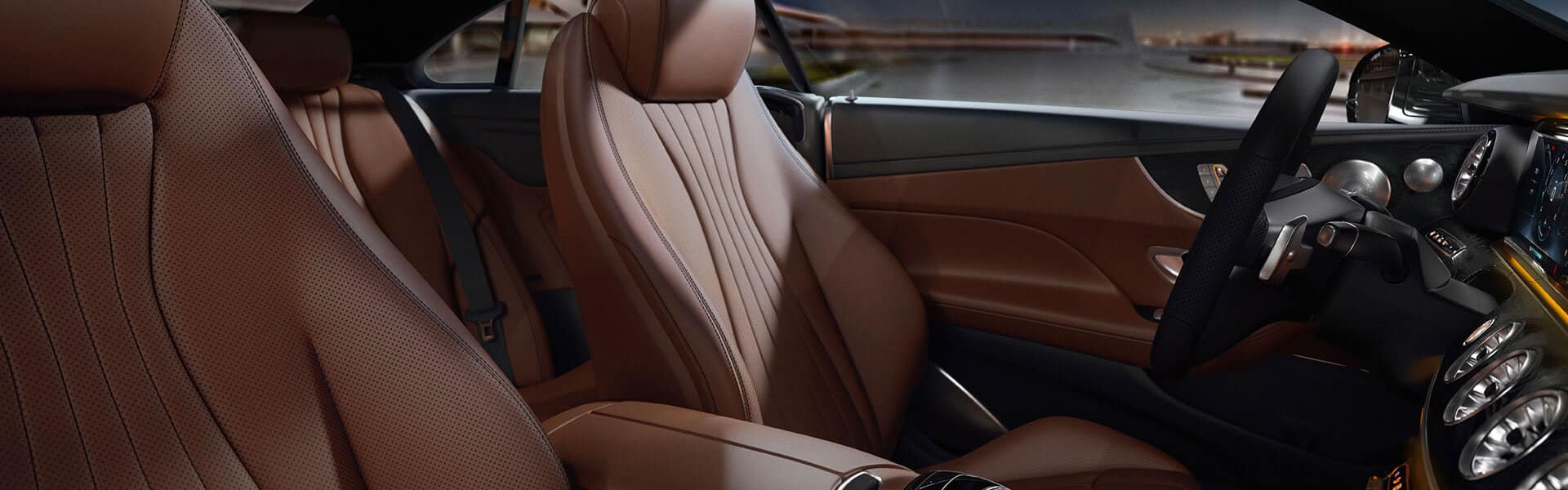 Mercedes Benz E 300 High-Class Interior