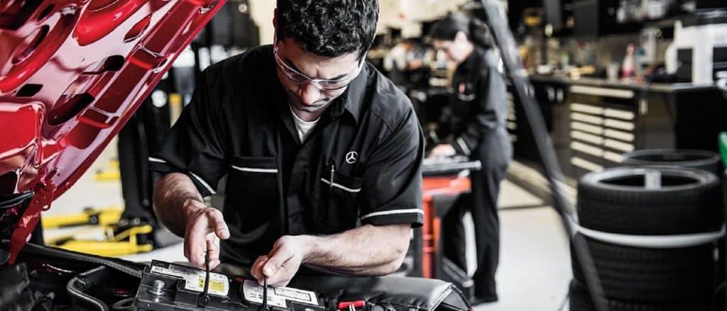 Mercedes-Benz Service Battery Installation