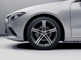 "R96 - 18"" 5-Spoke Wheels w/ Matte Black Accents"