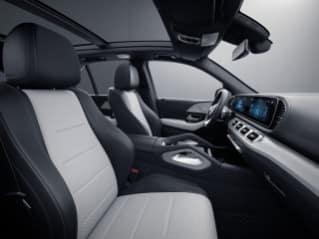 885A - White/ Black Nappa Leather