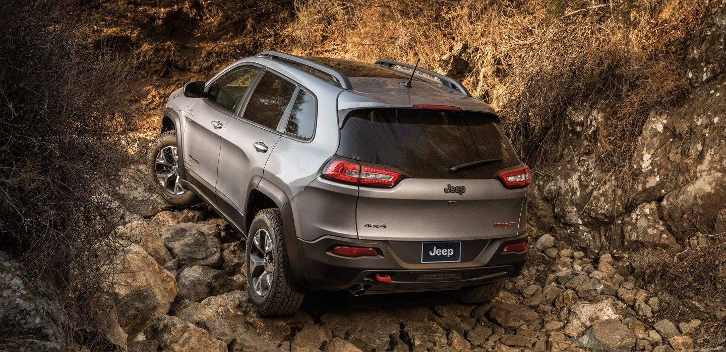 2017 Jeep Cherokee Rear View Exterior Off-Roading