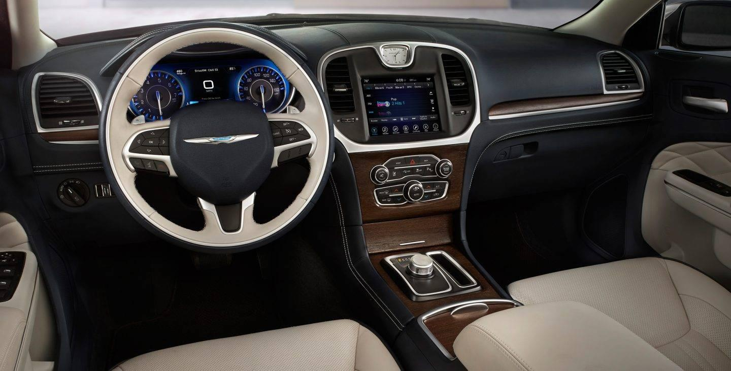 2017 Chrysler 300 Front Dash Interior Leather