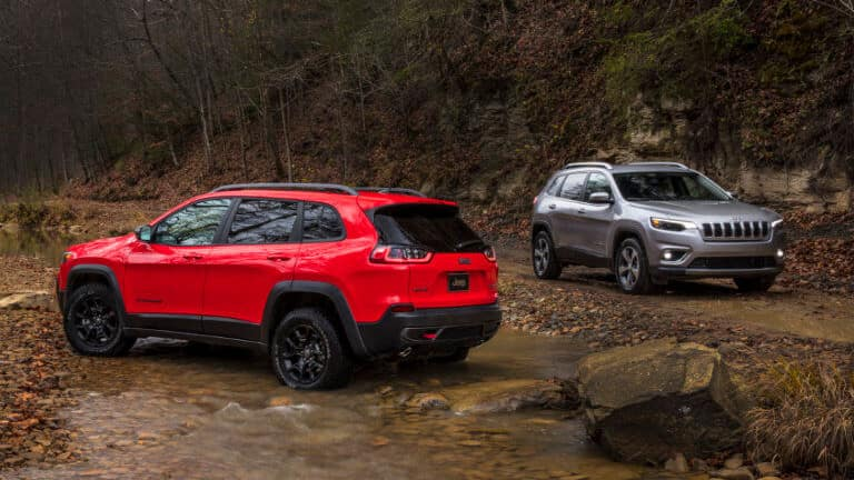 2019 Jeep Cherokees in stream