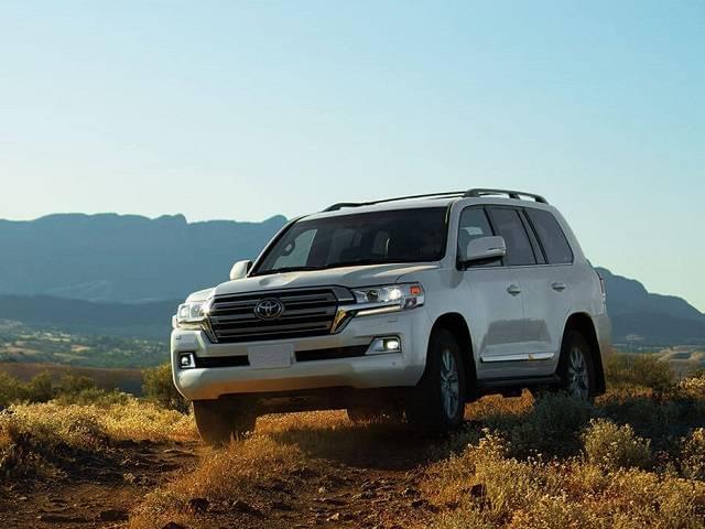 2017-Toyota-Land-Cruiser-exterior