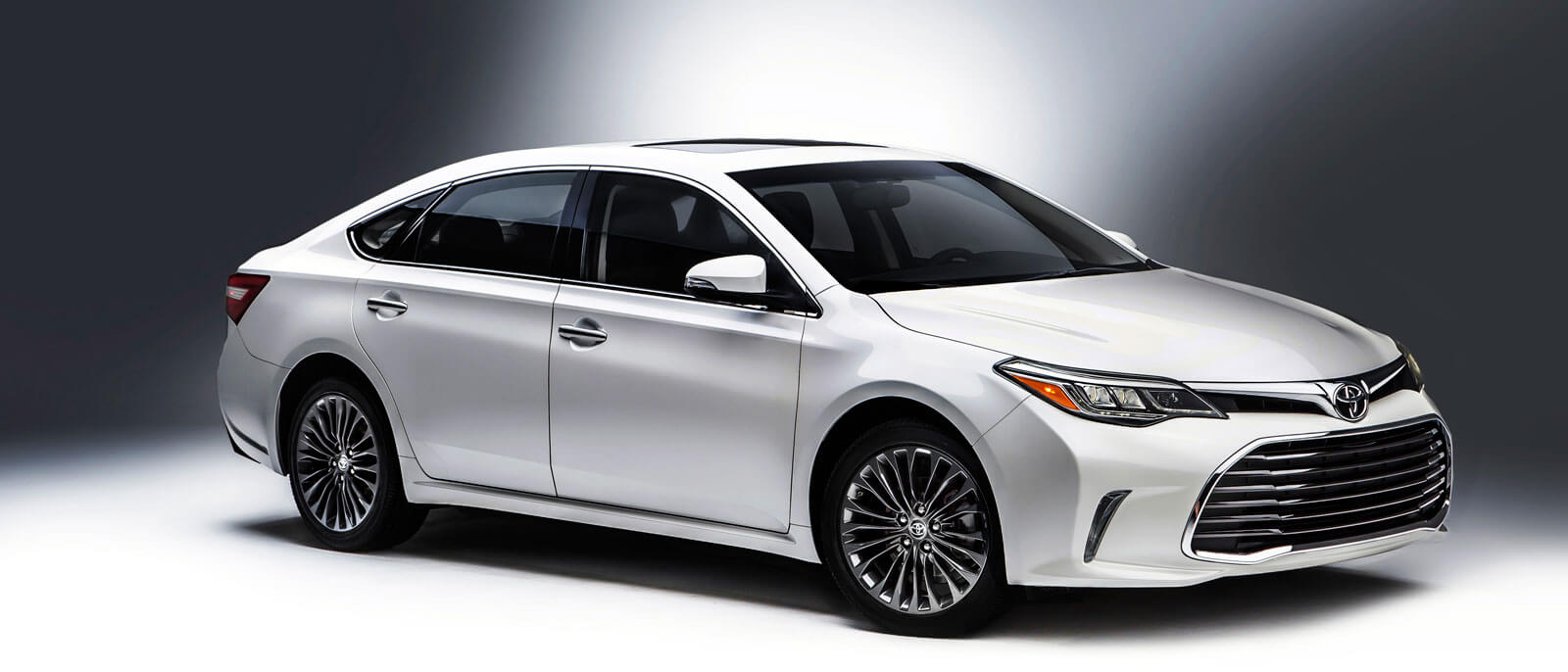 2016 Toyota Avalon white
