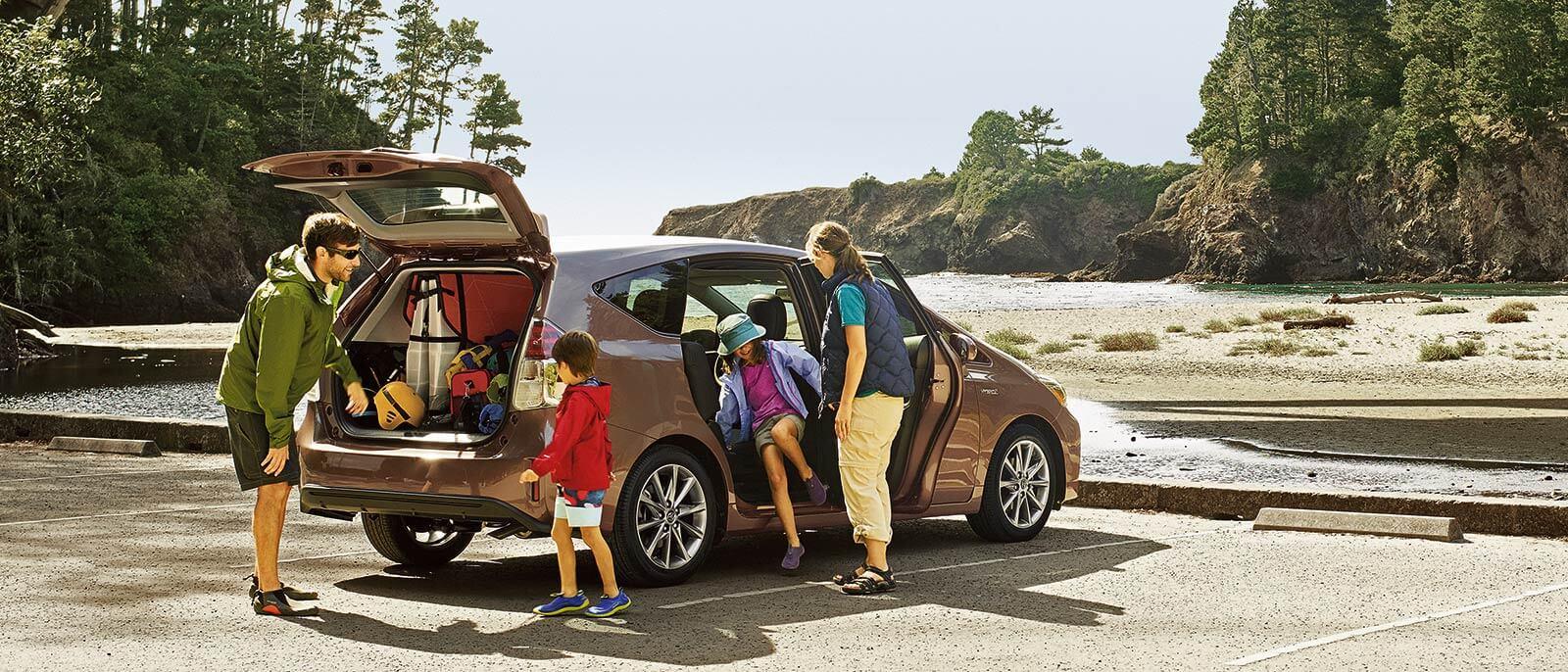 2017 Toyota Prius v Family