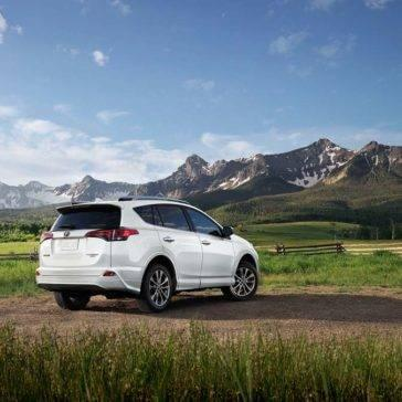 Toyota-RAV4-Platinum-AWD-Facing-Mountain