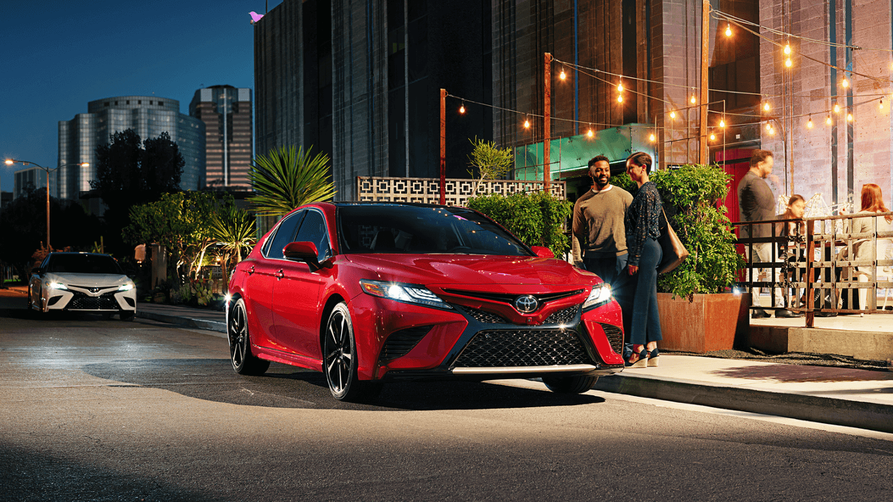 2018 Toyota Camry red exterior