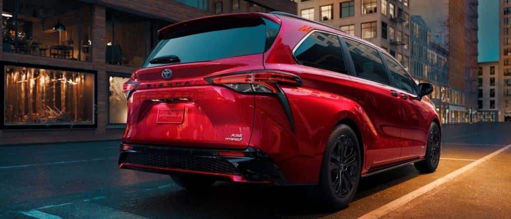 2021-Toyota-Sienna-Hybrid
