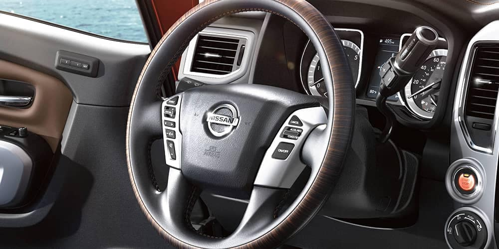 2019 Nissan Titan Steering wheel