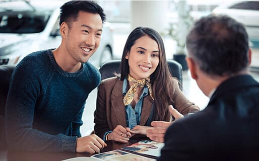 Vern Eide Acura Leasing Benefits Dealership Couple Image